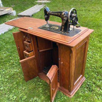 Старинная тумба Зингер реставрация