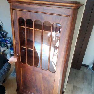 Реставрация ореховой витрины