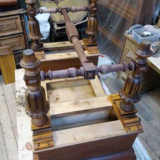 Реставрация орехового письменного стола
