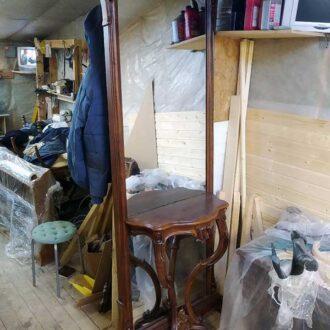 Реставрация антикварного орехового зеркала
